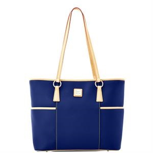 Carley Helena Shopper