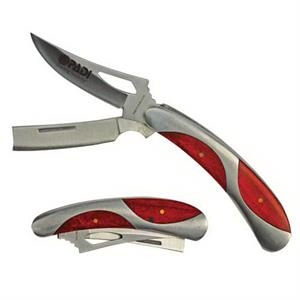 Pocket Knife With Razor Blade