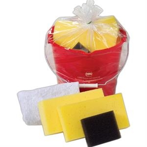 Car Wash Kit With 7 Quart Bucket, 2 Sponges, Polishing Cloth And More