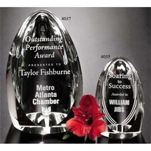 "Pristine Gallery Clipped - 2 1/4"" X 4"" X 2 1/4"" - Award Made Of Optical Crystal And Bottom Pyramid Is Concave"