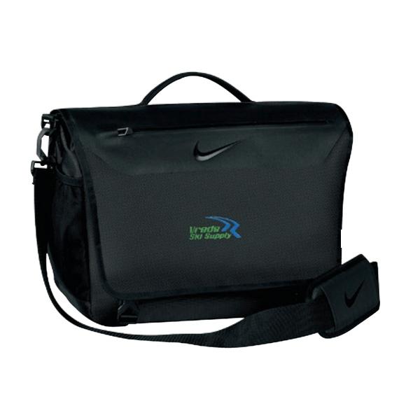 Nike (R) Departure Messenger II