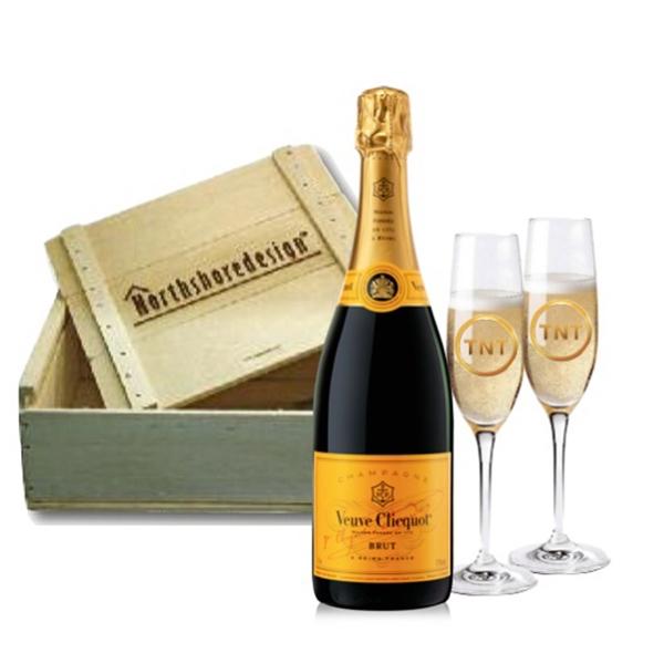 Veuve Clicquot Champagne & Flutes Gift Set