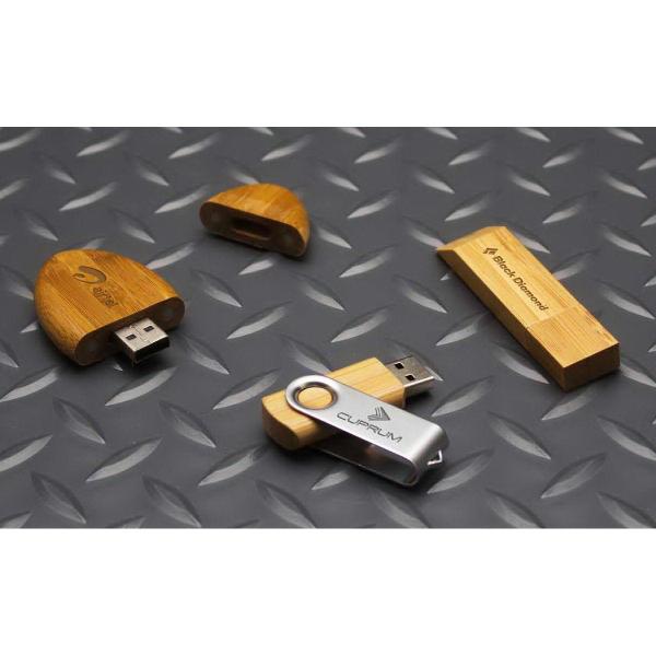 Sleek Bamboo USB Drive