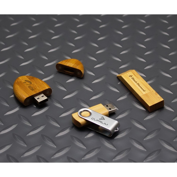 Score Bamboo Oval USB Drive