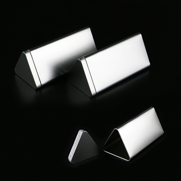 Triangle Tin