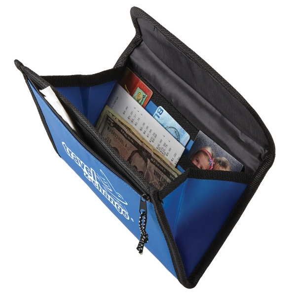 Magnetic Travel Case