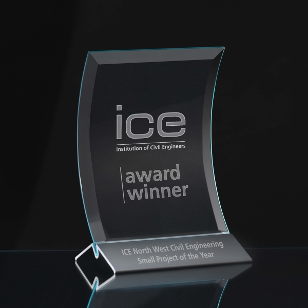 Medium Prisma Crest Award