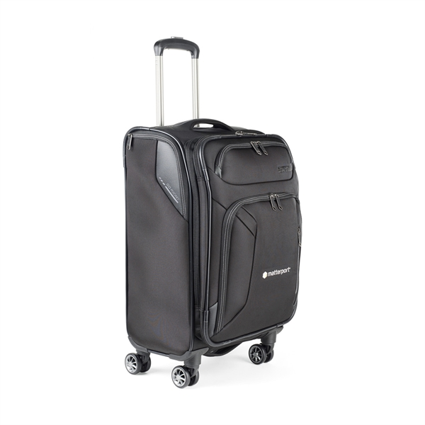 "American Tourister Zoom 21"" Spinner"