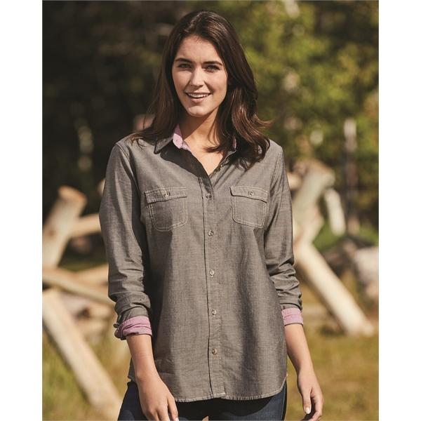 Weatherproof Women's Vintage Chambray Long Sleeve Shirt