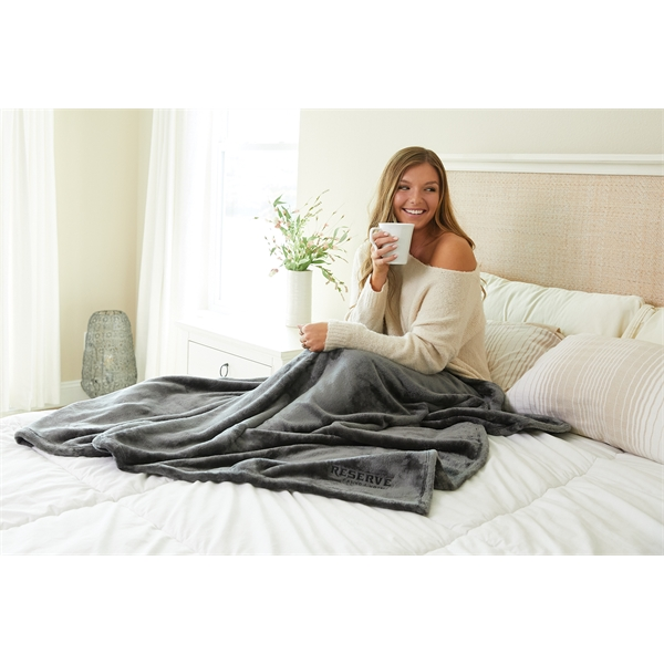 "Plushera™ Throw 60"" x 70"""