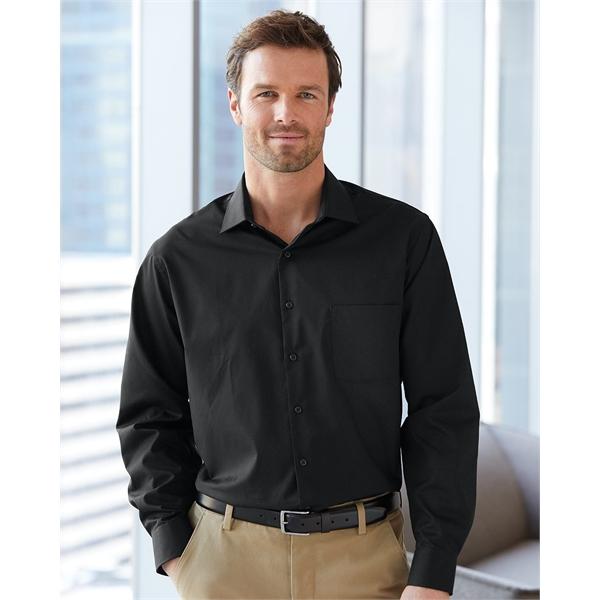 Van Heusen Broadcloth Point Collar Solid Shirt