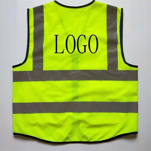 Multi-pocket reflective vest
