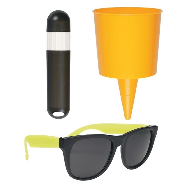 Beach-Nik™ Fun Kit - Kit with beach-themed items.