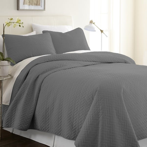Twin Premium Herring Pattern Quilted Coverlet Set  - Gray