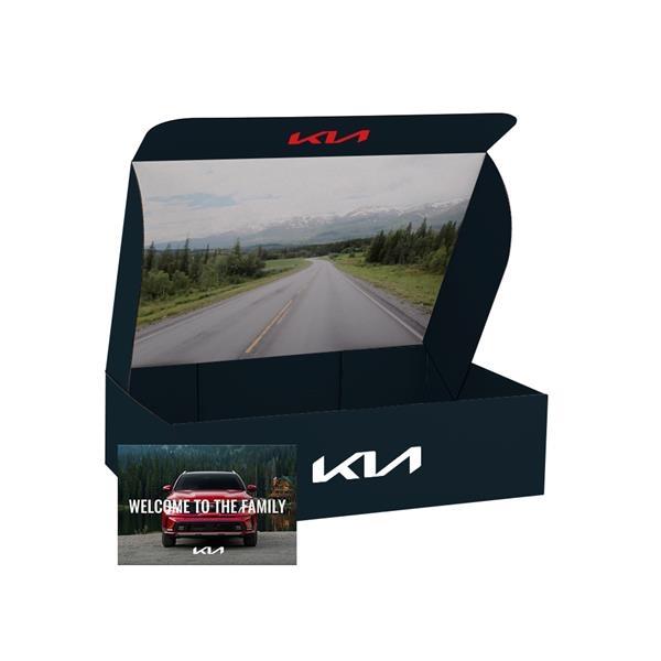 """Custom White Corrugate Gift Box and 4"""" x 6"""" Card"""