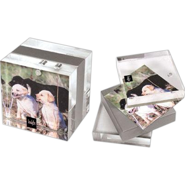 "2 3/4"" x 2 3/4"" Magnetic acrylic photo frame - Acrylic magnetic photo frame, 2 3/4"" x 2 3/4""."