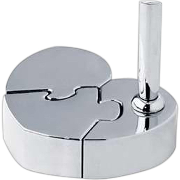 Heart-shaped Magnetic Puzzle Pen Stand Photo