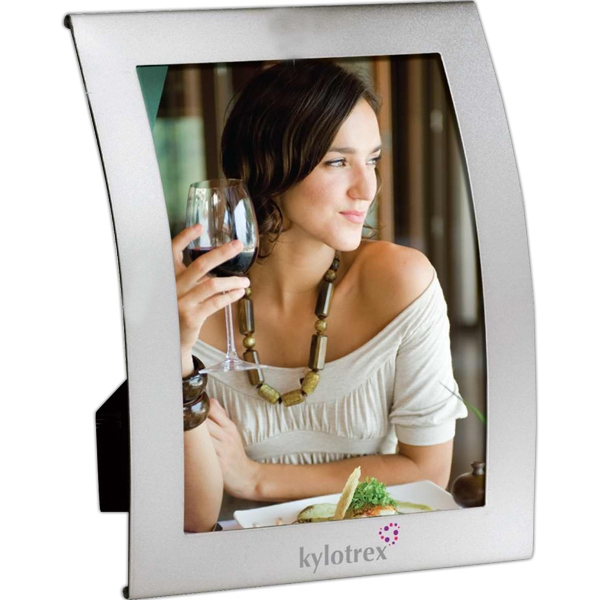 "Curved Aluminum Finish 5"" X 7"" Photo Frame Photo"
