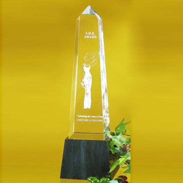 "Award-Obelisk 8"""