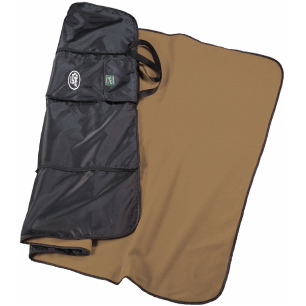 Woolrich (r) Explorer's Peak - Fleece Blanket With Water-repellent Backing. Large Exterior Pocket Photo