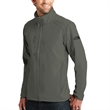 The North Face Tech Stretch Soft Shell Jacket - Soft shell jacket made of 50% recycled polyester with reverse-coil center front zipper and secure zip right chest pocket